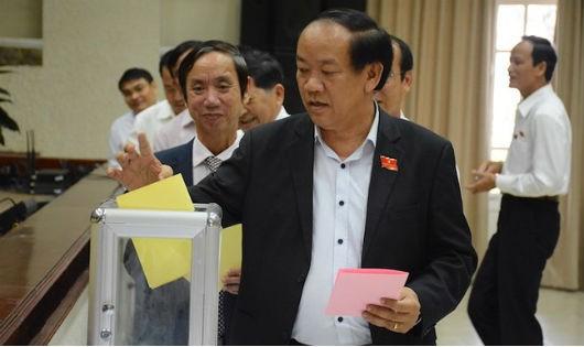 Kỳ họp HĐND các tỉnh, TP xem xét, lấy phiếu tín nhiệm loạt chức danh