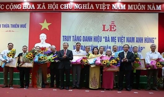 """Truy tặng danh hiệu """"Bà mẹ Việt Nam Anh hùng"""" cho 108 mẹ"""