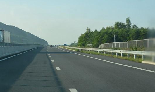 Cao tốc Đà Nẵng - Quảng Ngãi thu phí trở lại từ 0h ngày 27/10