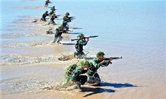 Lực lượng vũ trang Long An 72 năm phát huy truyền thống Anh hùng