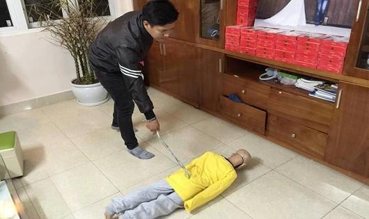 Lời khai rợn người của người cha đánh con trai 10 tuổi gãy xương sườn, rạn xương sọ