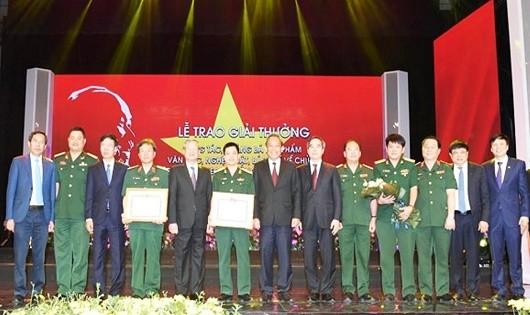 Tác phẩm của người lính viết về người lính giành giải thưởng lớn