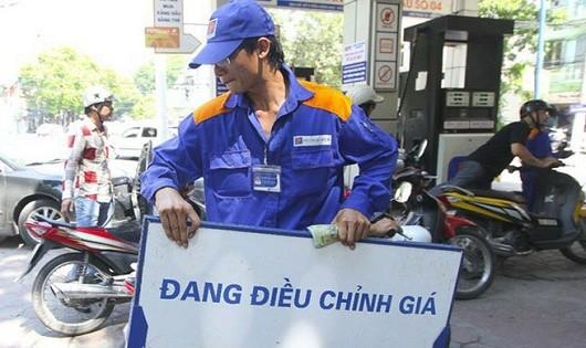 Chính phủ đề xuất tăng kịch khung thuế môi trường với xăng dầu