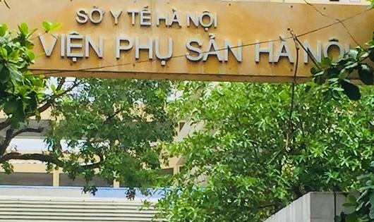 """Bệnh viện phụ sản Hà Nội: Thu tiền trông giữ xe kiểu """"chặt chém"""""""