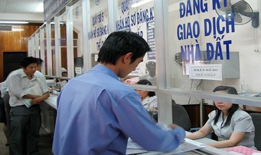 Người yêu cầu đăng ký  không phải xuất trình giấy tờ chứng minh giao dịch