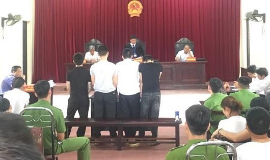 Hà Nội: Tòa xét hỏi điều tra viên trong vụ án bị cáo kêu oan và tố điều tra viên bức cung