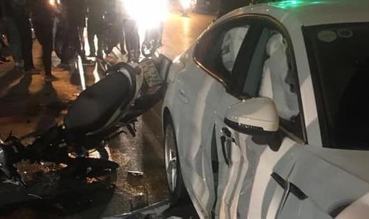 Tai nạn kinh hoàng giữa Hà Nội, 1 người chết, 3 người cấp cứu