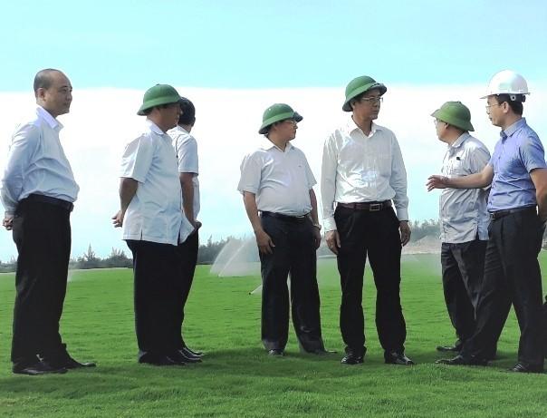 """Quảng Bình lên tiếng sau loạt bài """"biến cát trắng thành thảm cỏ golf"""" trên PLVN"""