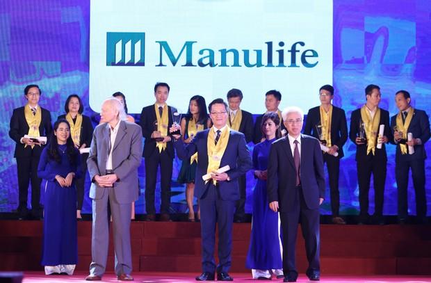 """Manulife Việt Nam được vinh danh """"Dịch vụ bảo hiểm nhân thọ tốt nhất"""" lần thứ 9"""