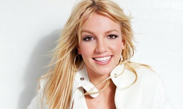 """'Công chúa nhạc Pop' Britney Spears kỷ niệm 20 năm ra mắt """"Baby One More Time"""""""