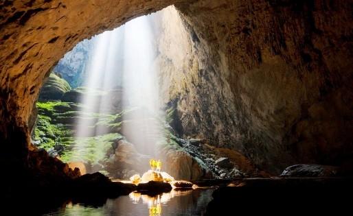 Giải đặc biệt là chuyến đi vào Sơn Đoòng dành cho 2 người trị giá 6.000 USD