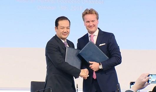 VNPT cùng đối tác Áo xây dựng nhà máy cáp quang hiện đại