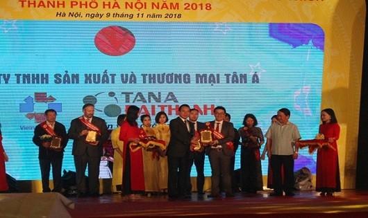 Thương hiệu Rossi được vinh danh Top 1 Hàng Việt Nam được người tiêu dùng yêu thích