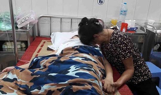 Công an điều tra vụ cô giáo - vợ cảnh sát biển - tự tử do bị chuyển trường