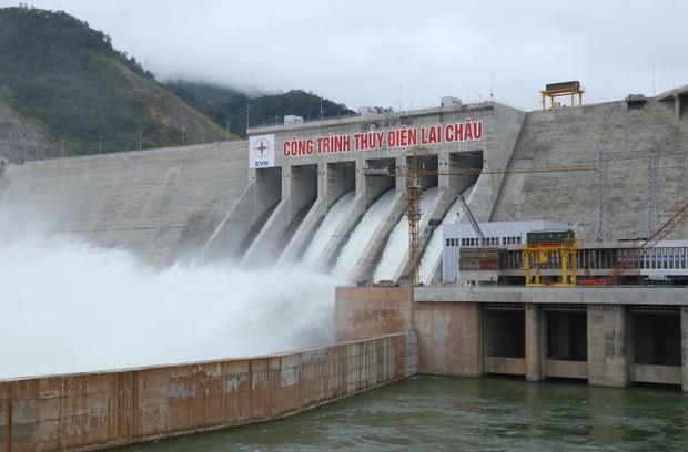 Thuỷ điện Lai Châu được gắn biển Công trình chào mừng 60 năm ngành Xây dựng