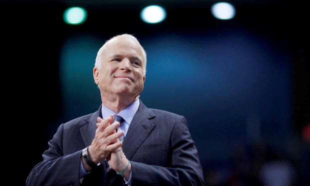 Đời thăng trầm của ông McCain qua ảnh