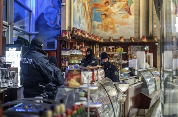Cảnh sát 4 nước châu Âu phối hợp trấn áp mafia Italia