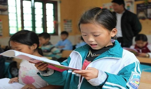 Đẩy mạnh việc đưa nội dung quyền con người vào chương trình giáo dục