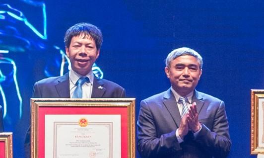 Tập đoàn Công nghệ CMC đón nhận Huân chương Lao động Hạng Ba lần thứ 2