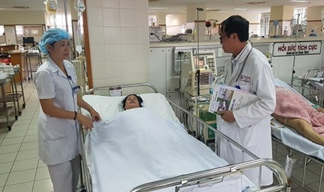 Cứu sống mẹ con thai phụ 35 tuần tuổi bị hôn mê sâu