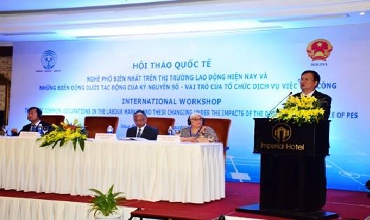 TT – Huế: Hội thảo quốc tế về Nghề phổ biến và sự biến động dưới tác động của kỷ nguyên số