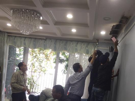 Hà Nội: Chung cư N04 - KĐT Đông Nam Trần Duy Hưng mới đưa vào sử dụng đã bị thấm nước, bục trần