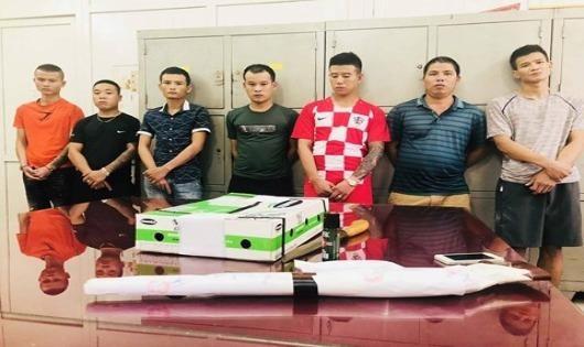 Bắt nhóm đòi nợ thuê bằng chất bẩn và súng ở Thanh Hóa