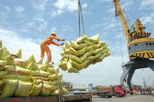 Việt Nam xuất siêu 2,76 tỷ USD trong 11 tháng năm 2017