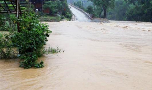 9 người chết do mưa lũ ở miền Trung