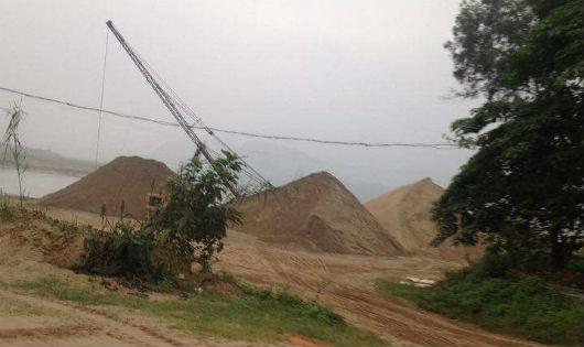 """Vướng mắc trong kinh doanh cát sỏi tại Nghệ An: Biết sai, vẫn """"phải"""" làm?"""