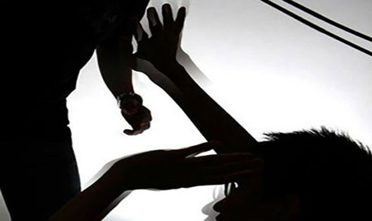 """Nam Định: Giám đốc doanh nghiệp cùng """"đàn em"""" vào nhà đánh người nhập viện"""