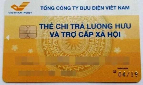 Hà Nội: Thực hiện thí điểm chi trả lương hưu, trợ cấp BHXH qua Thẻ