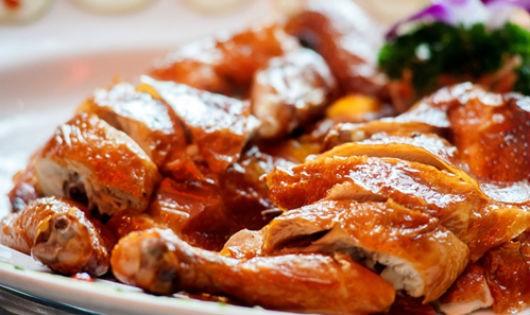 Tuyệt chiêu làm gà nướng lu thơm ngon lạ miệng