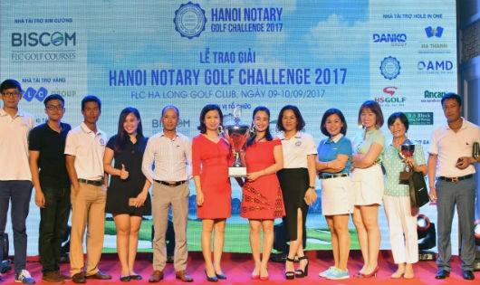 Nữ gôn thủ vô địch giải HANOI NOTARY GOLF CHALLENGE 2017