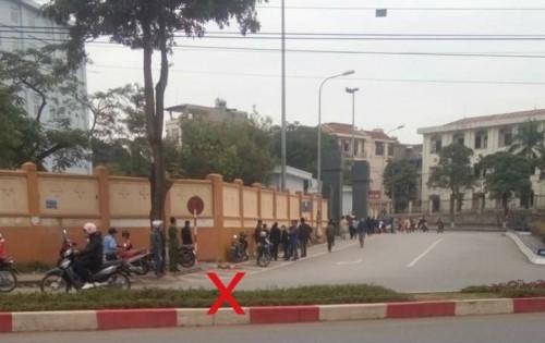 Rúng động: 'Để quên' chân bệnh nhân ngoài đường