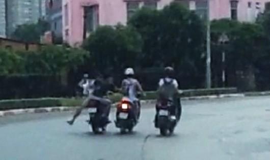 Hà Nội: Tóm gọn 2 đối tượng cướp giật tài sản của phụ nữ