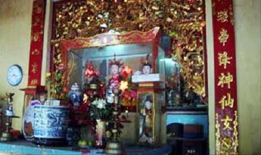Những câu chuyện lạ lùng ở đền Tân La