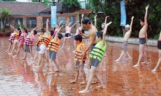 Nâng cao nhận thức cộng đồng  để cứu trẻ em khỏi đuối nước