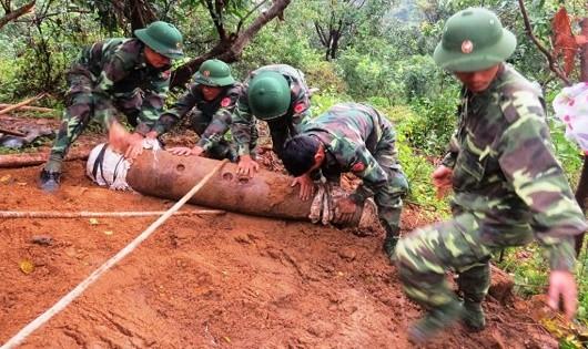 Quốc tế chung tay khắc phục hậu quả bom mìn Việt Nam