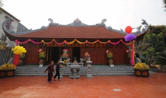 Về Hưng Yên thăm ngôi chùa 300 năm tuổi giữa lòng thị trấn