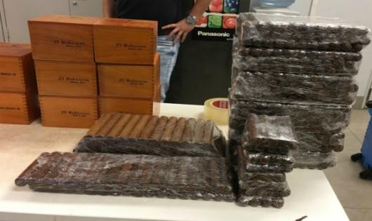 Thu giữ số lượng lớn xì gà Cuba tại sân bay Nội Bài