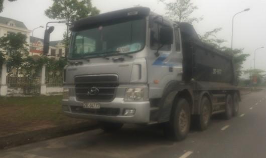 Mê Linh, Hà Nội: Chính quyền vào cuộc sau sự việc xe chở đất 'tràn' về địa phương