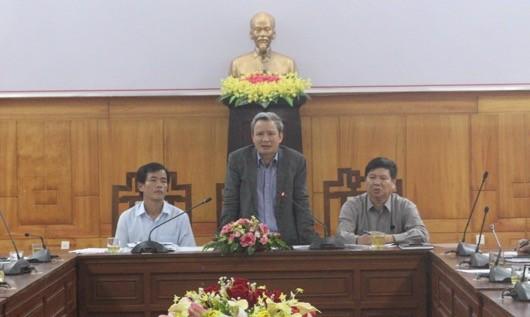 Thừa Thiên Huế: Họp khẩn bàn phương án ứng phó với bão số 13
