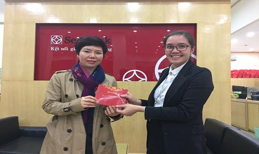 SeABank trao thưỡng cho chủ thẻ SeALady trúng chuyên du lịch đến Singapore