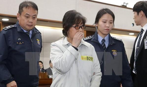 Bạn thân chỉnh sửa nhiều bài phát biểu của Tổng thống Hàn Quốc