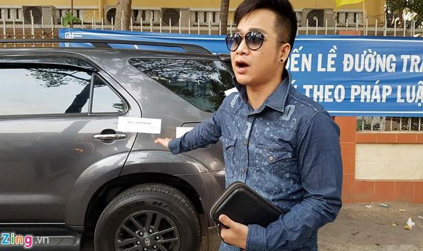 Quách Tuấn Du bị niêm phong xe