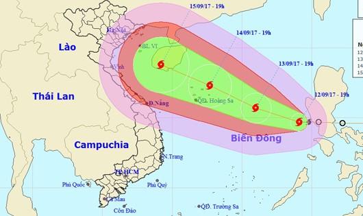 Bão cấp 12 giật cấp 15 hướng tâm vào đất liền Việt Nam