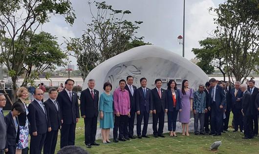 Phó Thủ tướng Phạm Bình Minh khai trương Công viên APEC