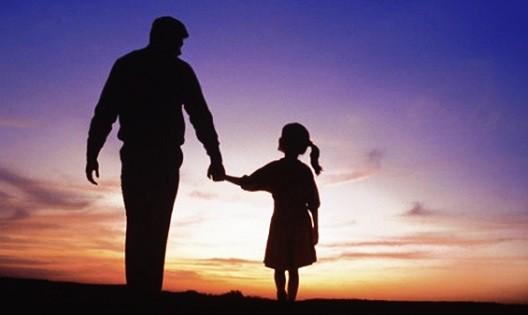 Bài văn về người bố đã mất khiến cả trường xúc động