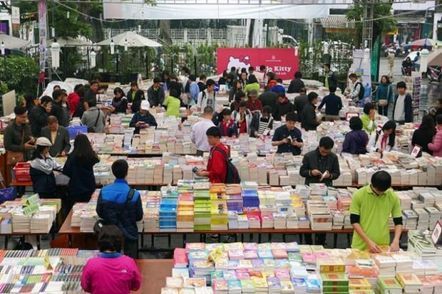 Phố sách xuân Đinh Dậu 2017